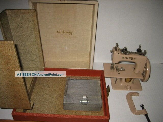 1940 ' S Toy Sew Handy Singer Sewing Machine With Case Made In England Sewing Machines photo