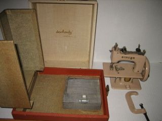 1940 ' S Toy Sew Handy Singer Sewing Machine With Case Made In England photo