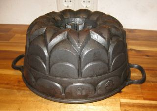 Very Old Antique Cast Iron Bundt Pan,  Le Creuset,  Stamped,  Germany,  2814 G photo