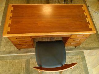 Lane Acclaim Mid - Century Desk And Chair photo