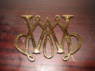 Williamsburg Brass Cypher Trivet - William And Mary - Virginia Metalcrafters photo