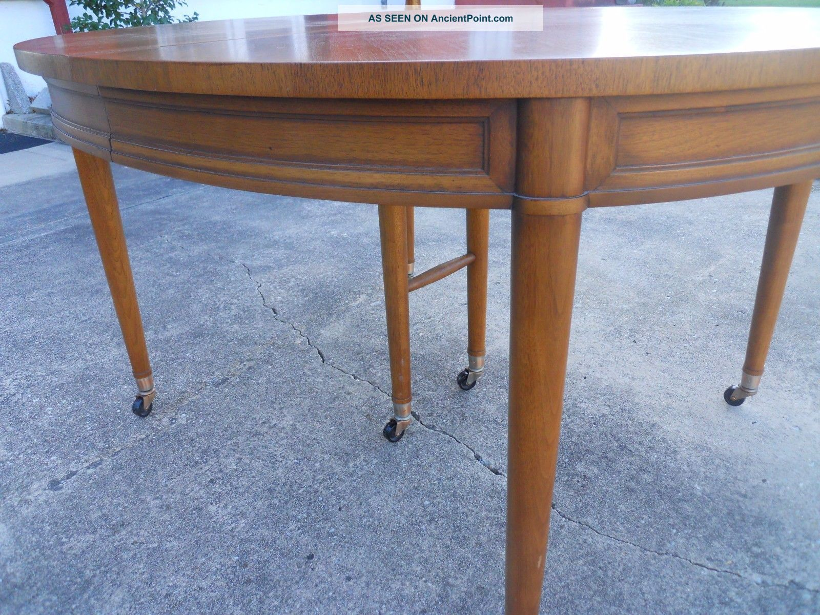 Henredon Mid Century Walnut Dining Room Table Wilmington Delaware