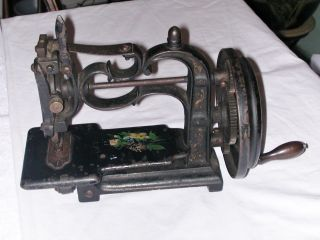 Antique Cast Iron Hand Crank Sewing Machine England Style photo