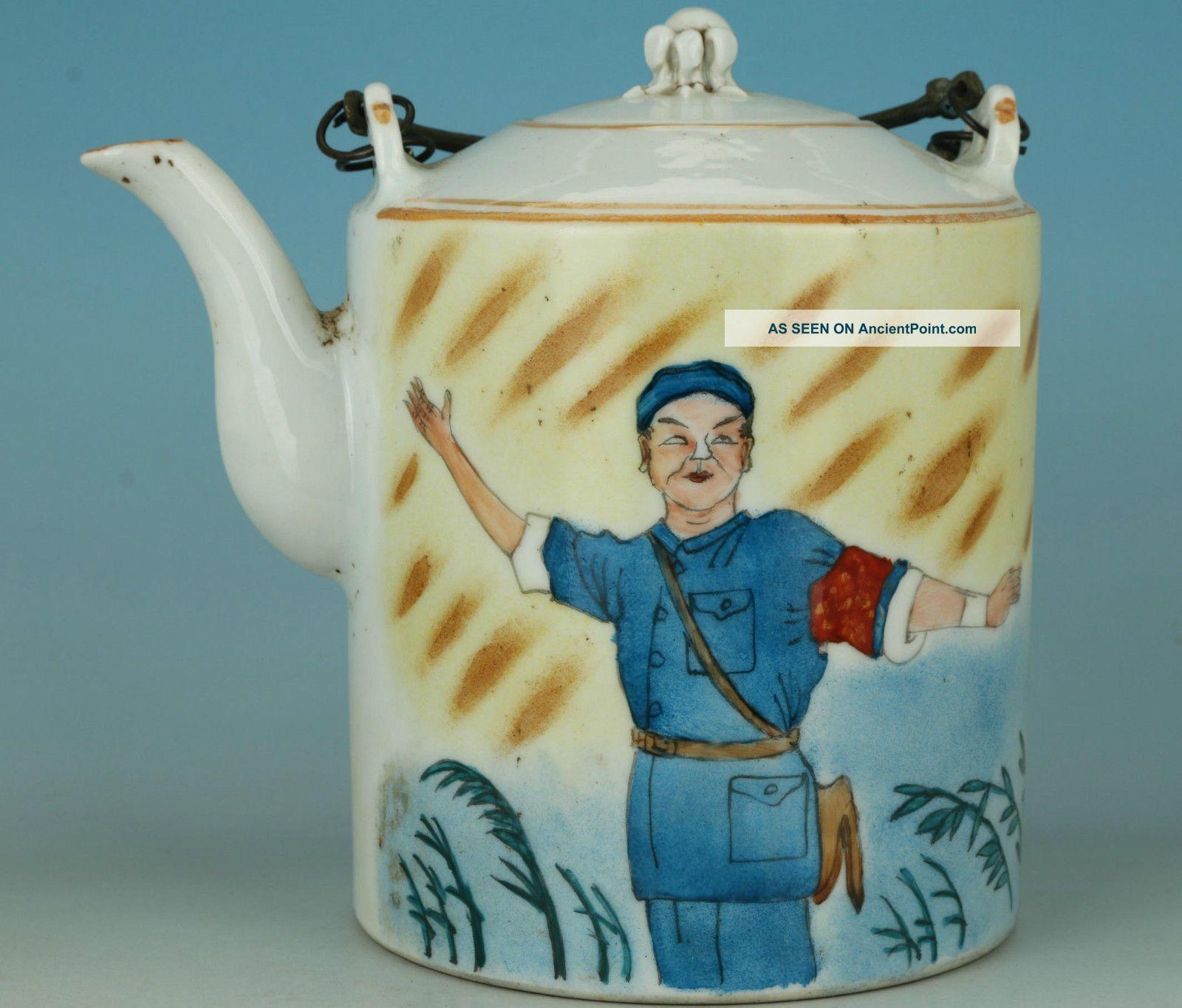 Asian Chinese Old Jingdezhen Porcelain Hand Painting Shagubin Tea Pot Ornaments Porcelain photo