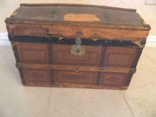 Antique Primitive Child ' S Small Hump Back Doll Trunk W/tray photo