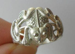 Vintage Tribal Exotic Chinese Handmade Miao Silver Frog Ring photo