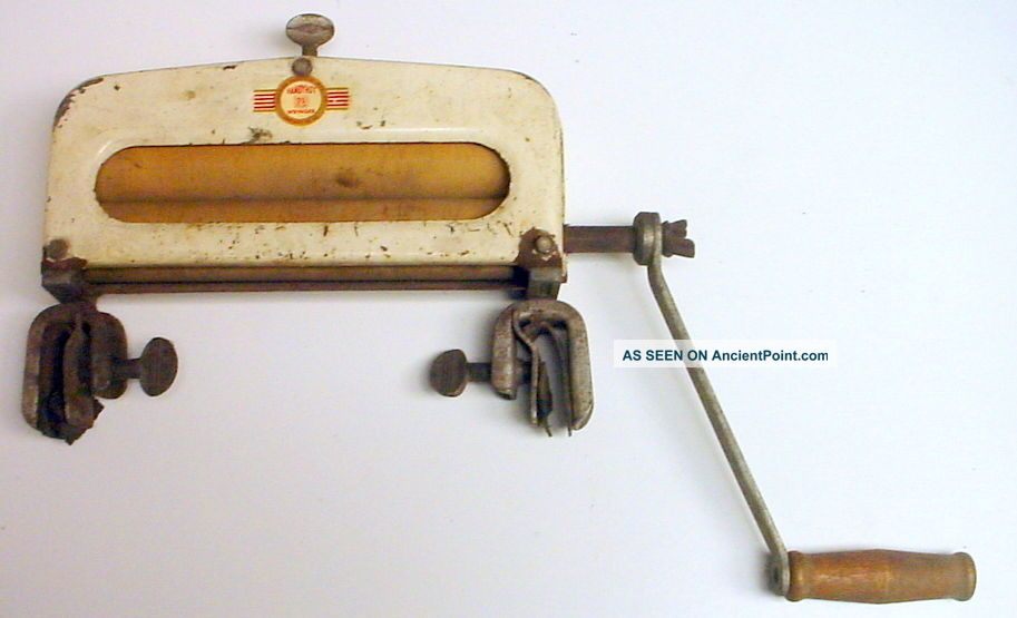 Vintage Handy Hot Hand Crank Laundry Sink Wringer Clothing Wringers photo