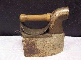 Antique Coal Gas Steam Iron Wood Handle No.  3 - photo