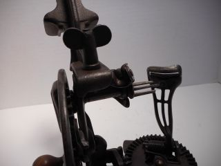 Antique / Vintage Penn Perfect Apple Peeler / Parer Cast Iron Penn Hardware Co photo