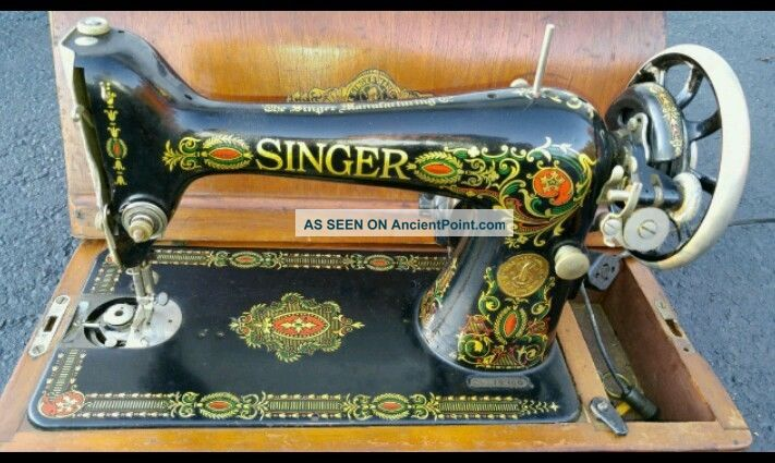 Antique 1921 Singer 66 Red Eye Design Sewing Machine W/ Case In Very Good Cond. Sewing Machines photo