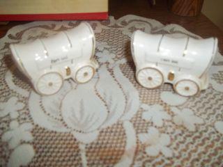 Vtg Fort Sill Salt Pepper Shakers Covered Wagon Japan photo