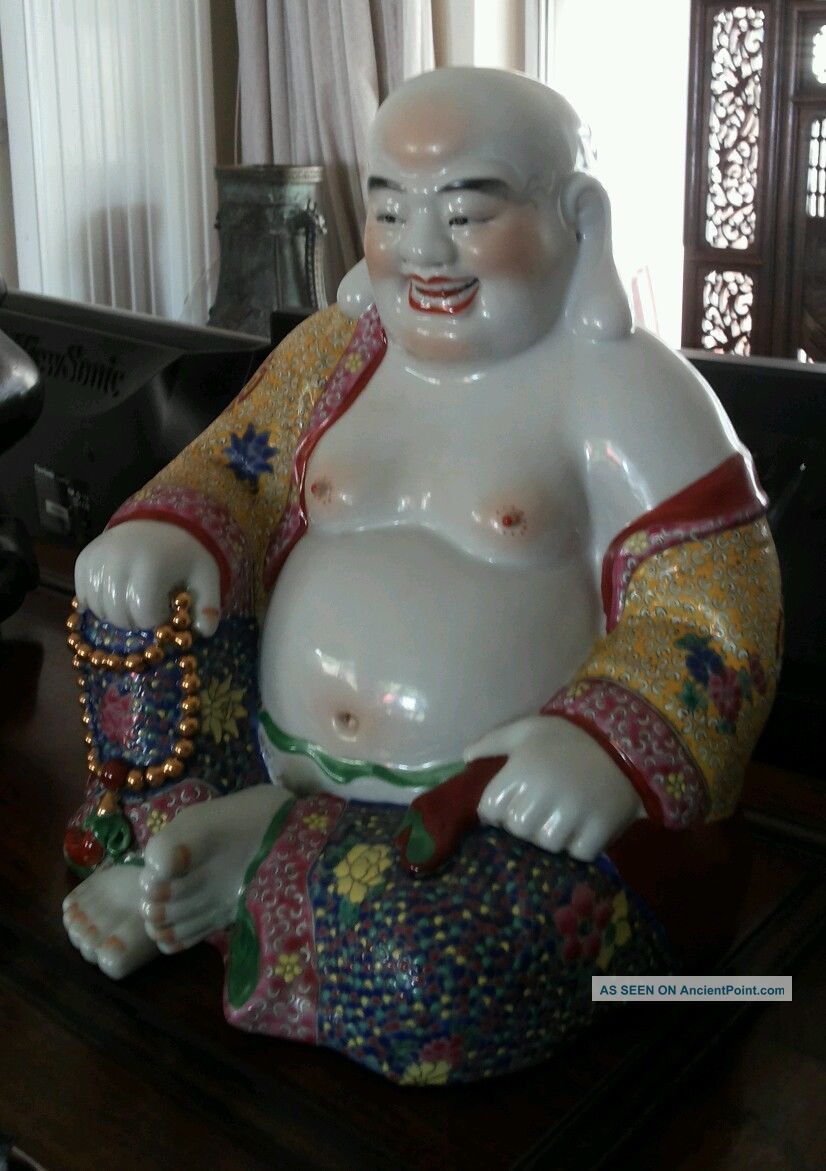 A Chinese Porcelain Buddah Ornaments photo