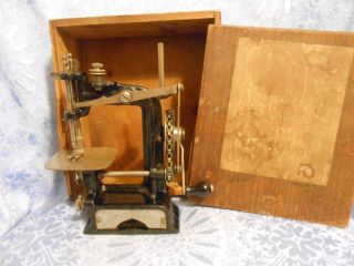 Antique Smith&egge 1897 Chain Drive Hand Crank Toy Sewing Machine Little Comfort photo