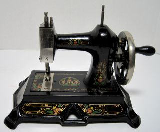 Antique Muller Cast Iron Toy Childs Sewing Machine Model 19 German Early 1900s photo
