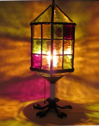 Stained Glass Lamp.  Hand Made.  Arts & Crafts Style ' 50 ' S - ' 60 ' S.  Vermont. photo