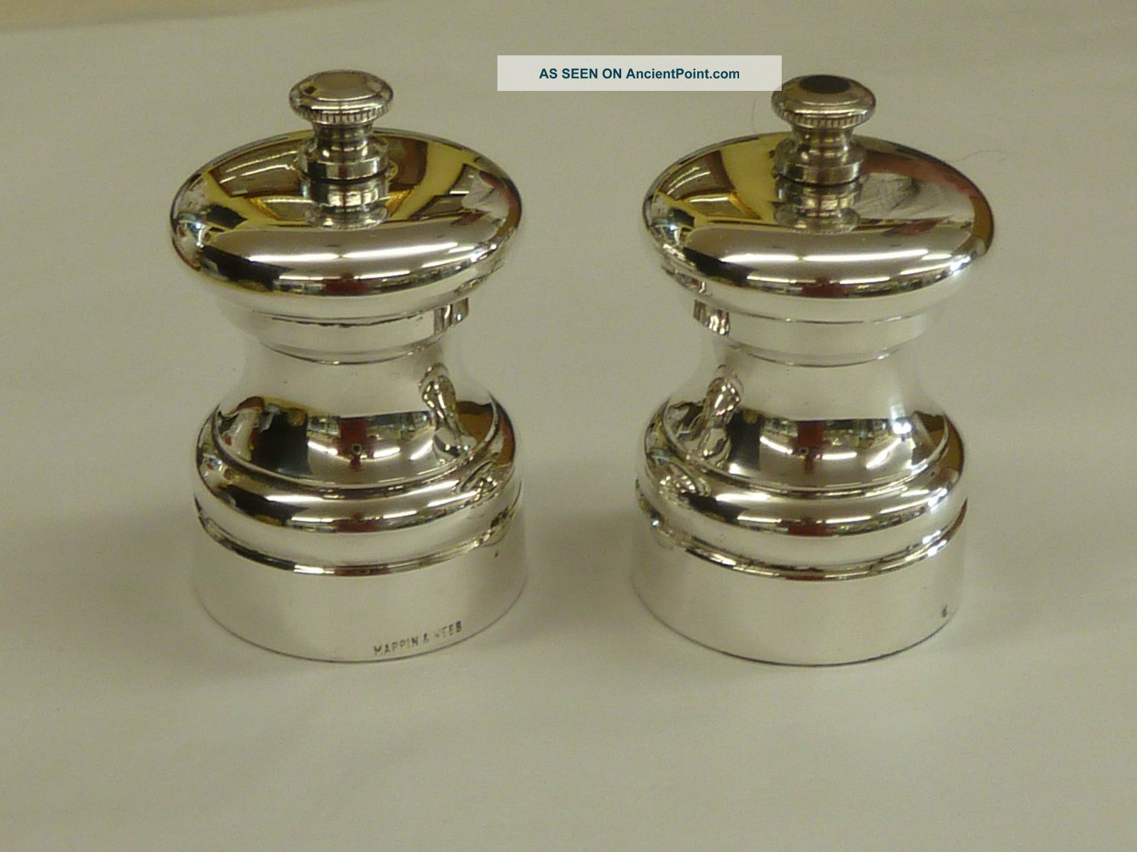 Mappin & Webb Silver Plated Salt & Pepper Grinder Or Cruets Salt & Pepper Cellars/ Shakers photo