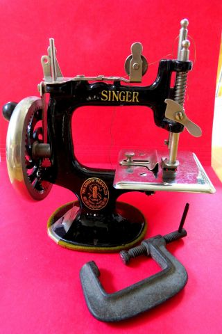 Vintage Singer Model 20 Child Size Hand Crank Sewing Machine photo