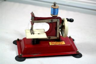 Gateway Engineering Co Vintage Junior Model Np 1 Red Sewing Machine Tin photo