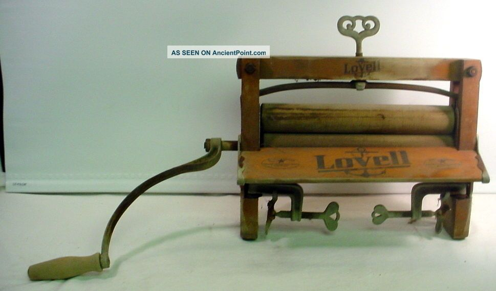 Antique Lovell No 32 Wooden Hand Crank Clothes Tub Washer Wringer Primitive Clothing Wringers photo