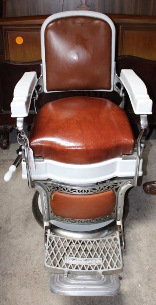 Vintage Takara Belmont Hydraulic Barber Chair photo