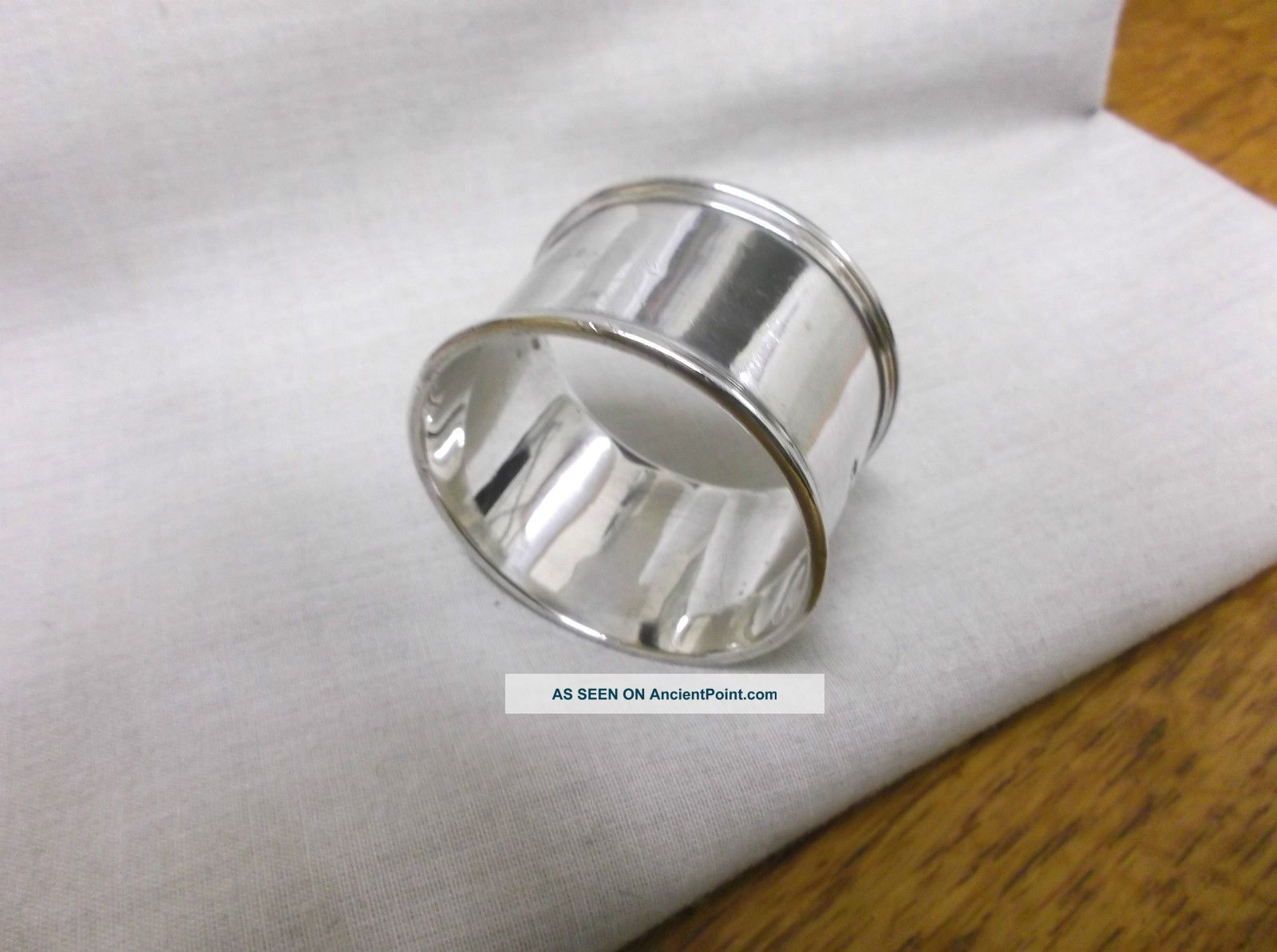 A Vintage Sterling Silver Napkin Ring Birmingham 1903 Napkin Rings & Clips photo