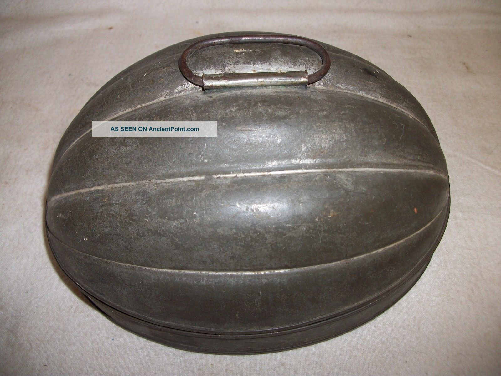 Early American Pudding Mold Hearth Ware photo