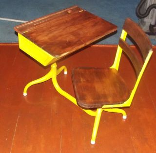 Nicest School Desk On Ebay Iconic American Desk Co In Vivid Striking Yellow photo