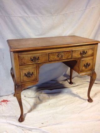 Lowboy Antique Tiger Maple C12 Pics 4size&details.  Ships Greyhound$99.  Make Offer photo