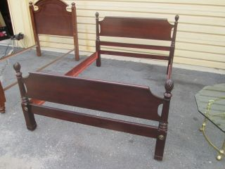 56158 Solid Mahogany Full Size Bed W/ Wood Side Rails photo