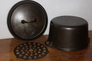 Griswold No.  8 Deep Tite Top Dutch Oven 1298,  Self Basting Cover 1288 Trivet 206 photo
