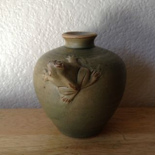 Vintage Mcm Japanese Porcelain Studio Art Pottery Vase Figural Frog Sculpture photo