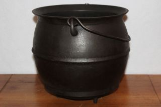 18th To Early 19th Century 6 Qt.  Bulge Pot Gypsy Kettle 3 - Leg Cast Iron Antique photo