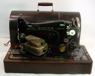 Antique 1920 ' S Singer Model 99k Portable Sewing Machine W/ Bentwood Case photo