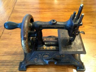 Antique Toy Cast Iron Sewing Machine Kt2 photo