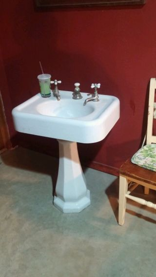 Pedestal Sink Cast Iron photo