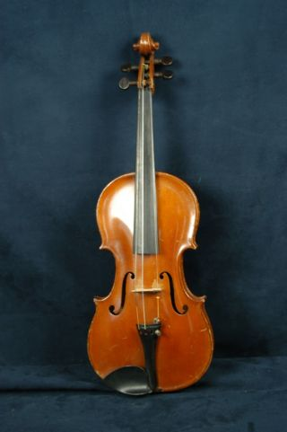 Antique 1921 Lyon And Healy Student Violin. photo
