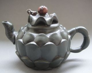 Old Pottery Good Craftsmanship Chinese Yixing Zisha Teapot - Frogs photo
