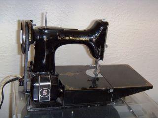 1936 Singer Featherweight 221 Sewing Machine W/case, photo