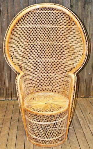 Vtg Peacock Chair Wicker High Back Fan Rattan Mid Century Tiki Patio Porch 70s photo