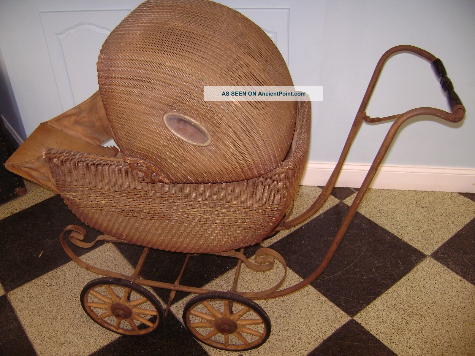 Vintage Wicker Pram Baby Buggy Carraige Stroller Dolls Toy Baby Carriages & Buggies photo