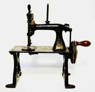 American Gem Childs Cast Iron Sewing Machine (all Moving Parts) Guc photo