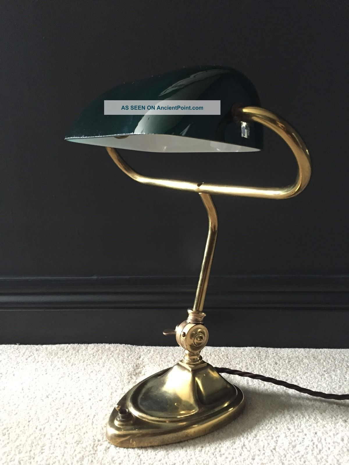 1930 ' S English Antique Vintage Bankers Desk Lamp Industrial Brass Green Glass 20th Century photo