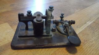 Antique Manhattan Electric Supply Co Morse Code Telegraph Key & Sounder 4 Ohms photo