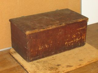 Rare Early 18th C W&m Ct Bible Box In The Best Grungy Dry Red Paint photo