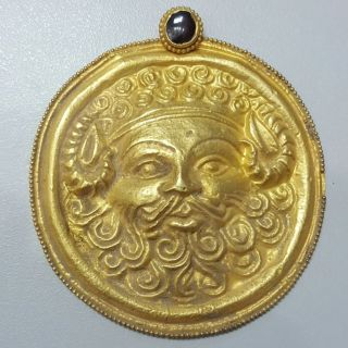 Stunning Old 22k Gold Pendant Roman King Face photo