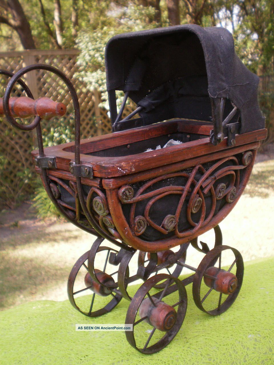 Vintage Wicker Metal Baby Doll Carriage Pram Stroller Buggy Bassinet Victorian Baby Carriages & Buggies photo