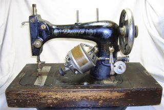 Antique Davis Model T Sewing Machine Ca.  1900 - 1915 W Bentwood Case 3624 photo