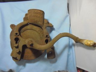 Antique Fulton Style P Cast Iron Hand Cranked Corn Sheller Shucker Primitive photo