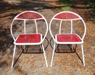 Vintage Metal Curved Sides Folding Chairs White & Red Mesh Pattern photo