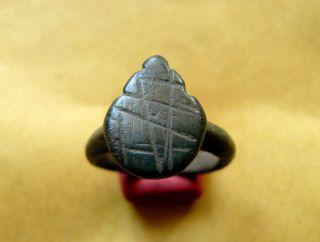 Ancient Roman/byzantine Bronze Ring 3c.  - 6c.  18mm/5.  51g. photo